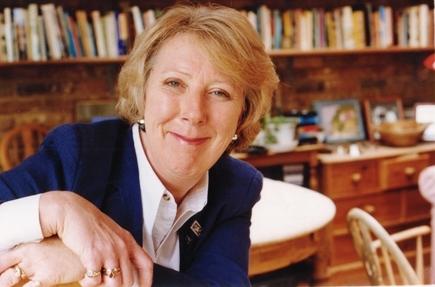 Julia Langdon