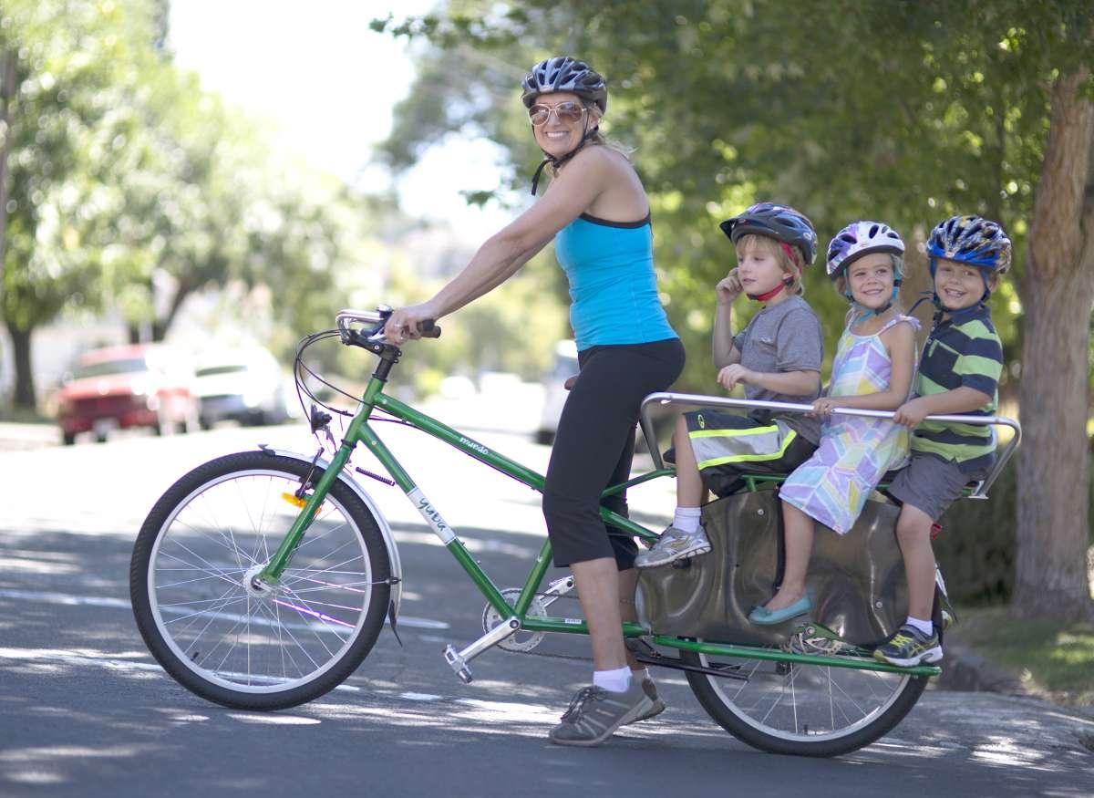 Yuba_Mundo_Cargo_Bike_with_Monkey_Bars__web