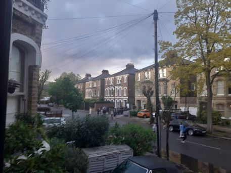 Chiswick Life - Simon Hoyle, The thursday calling in my road
