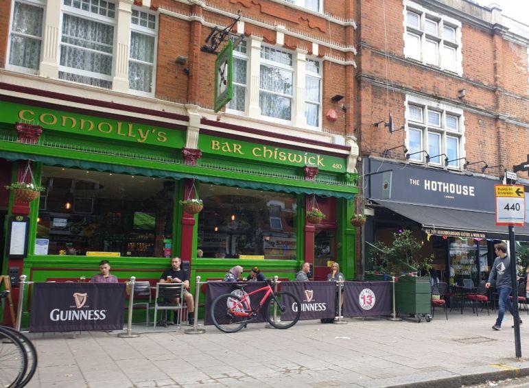 Connollys Irish pub 1_web