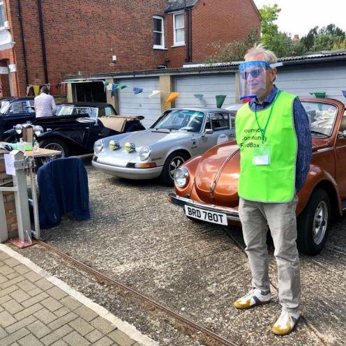 Resized car from Howard with visor man (1)