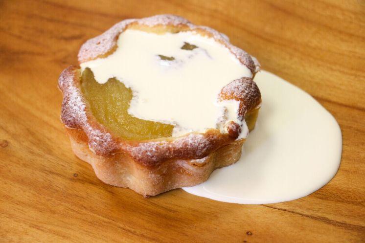 Pear and frangipane tart _web