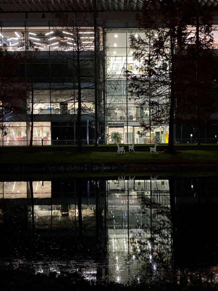 Christmas Business Park 17_web