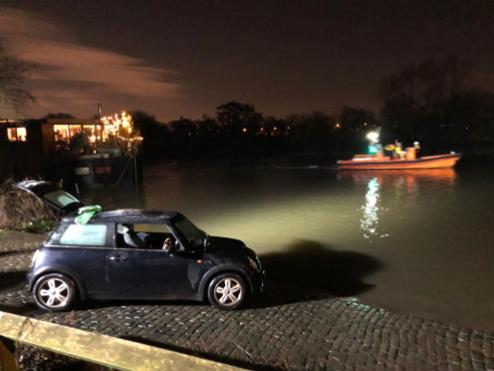 Car in the river 3
