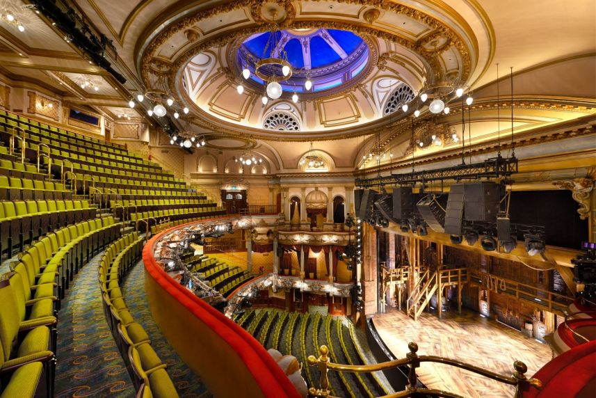 The Auditorium Victoria Palace Theatre If used please credit ©Peter Dazeley from his book London Theatres