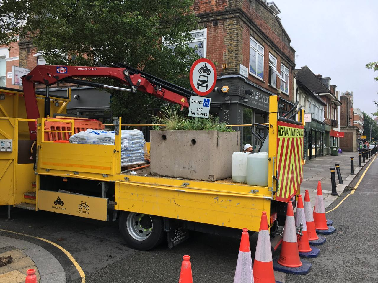 Planters being removed from Devonshire Rd