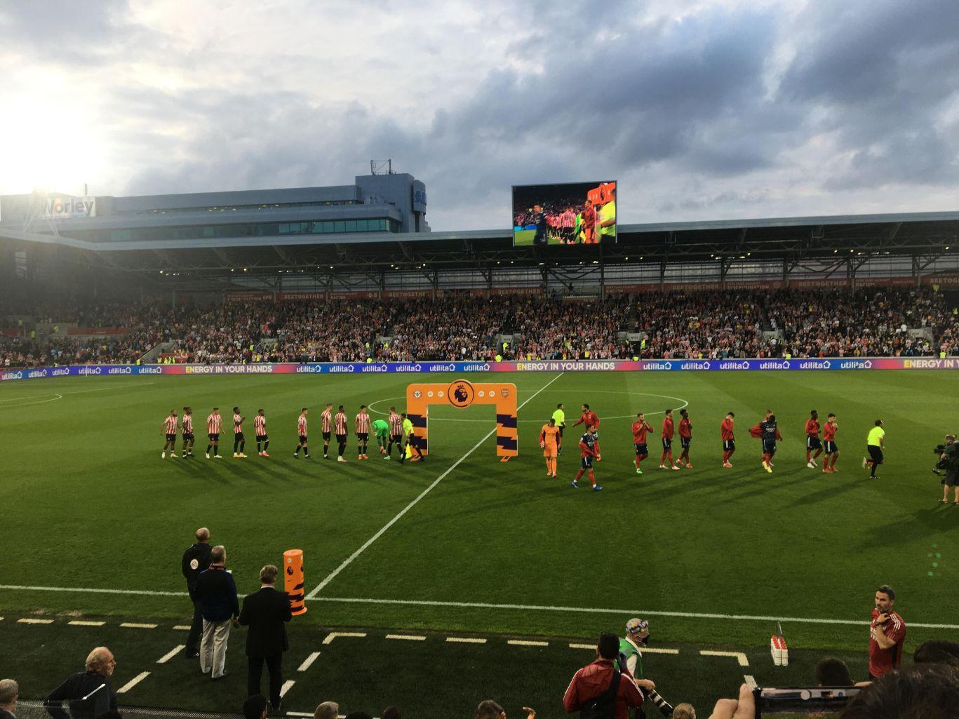 The teams lining up Brentford v Arsenal 14 August Liz Vercoe_web