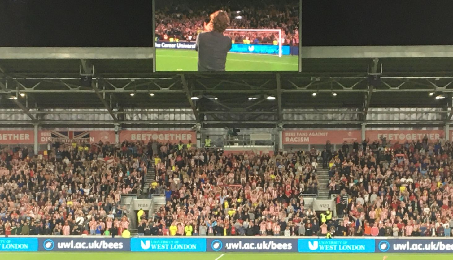 Thomas Frank applauds fans 14 August - Liz Vercoe_web