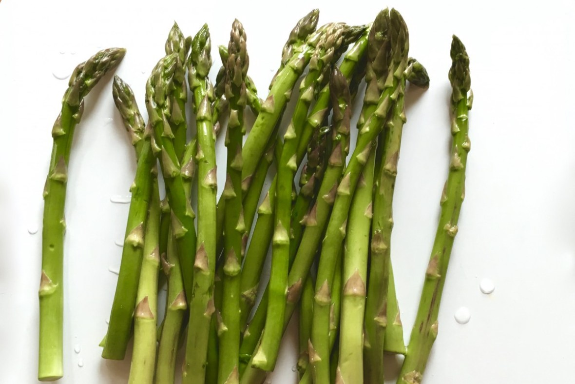 Asparagus #chitchaatchai #rumin