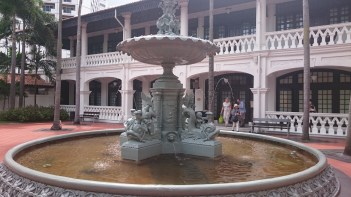 Singapore - Raffles Hotel Fountain