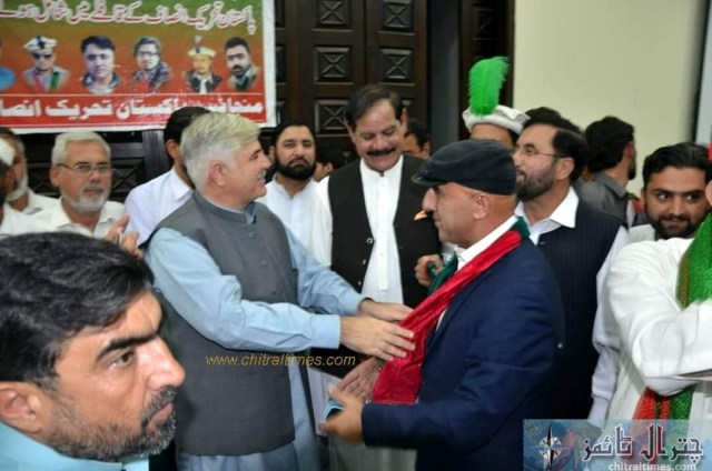 sartaj ahmad khan and other joined pti chitral 2