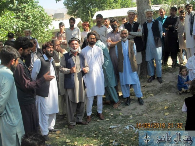 women protest against lake of facility at THQ Hospital booni chitral 5