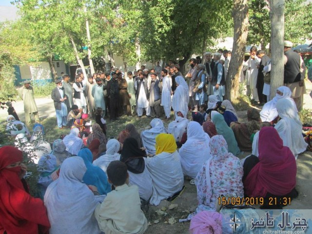 women protest against lake of facility at THQ Hospital booni chitral 7