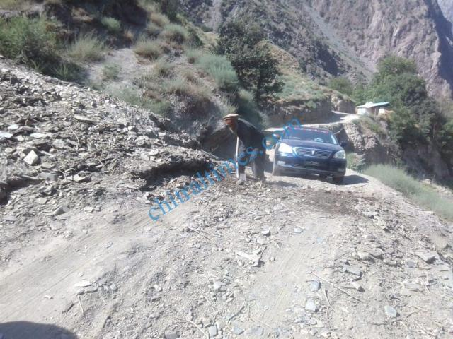 hasan bumburait road kalash valley2