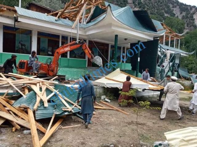 hotel demolished in kalash valley chitral2