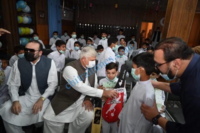 cm mahmood khan visit zamong kor peshawar1