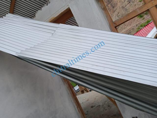 strom wind distryied a house upper chitral1