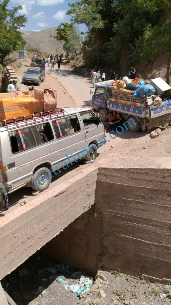 chitraltimes reshun river erosion road block3