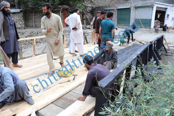 chitraltimes garamchashma road bridges repaired nha 4