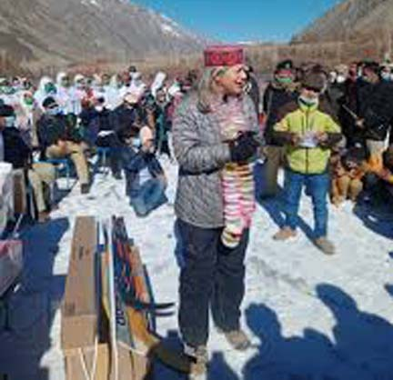 Canadian envoy for steps to save Chitral from climate change devastations