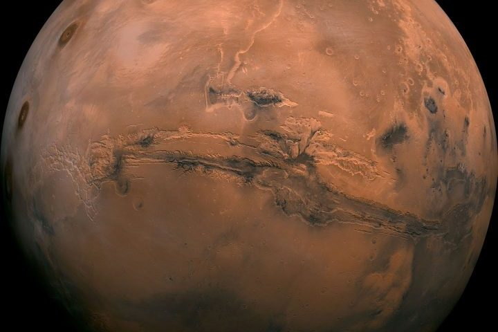 Where did Mars' liquid water go?