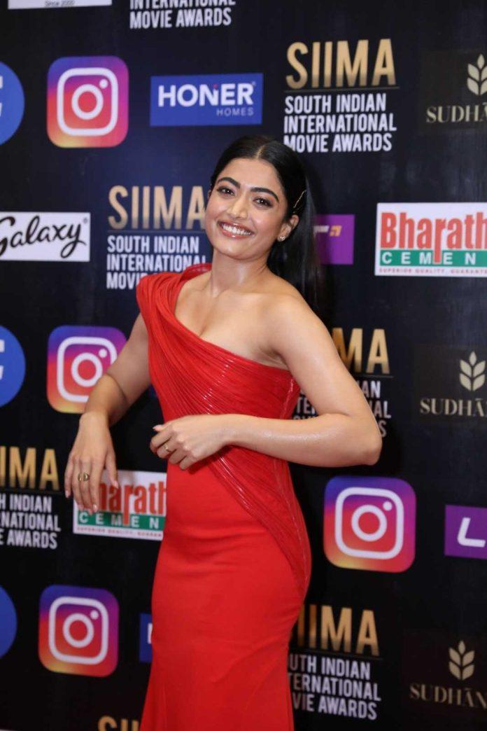 Sexy Beauty Rashmika Mandanna at Siima Awards 2021 photos