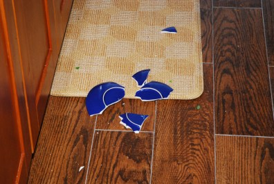 Poor blue saucer