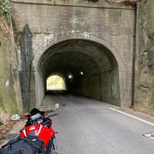 外房いすみ市の名も無いトンネルwith CBR650R
