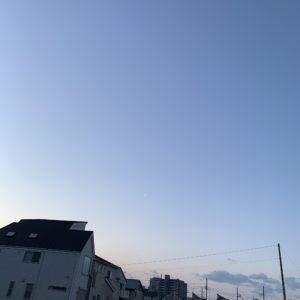 3月20日朝6時の空を見上げる