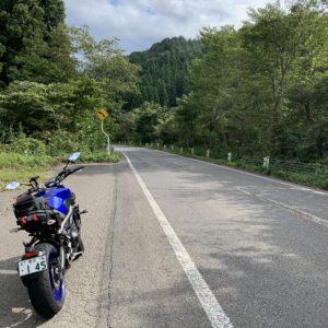 猪苗代湖南エリアのR294の山間部風景with MT09