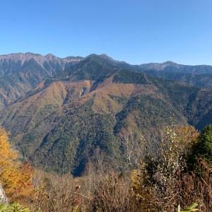 しらびそ高原の見晴らし台からの南アルプスの眺め