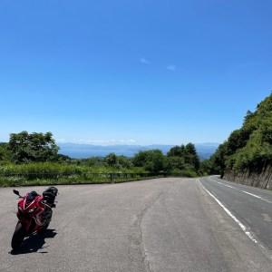 磐梯山ゴールドラインの滑滝展望台付近にてwith CBR650R