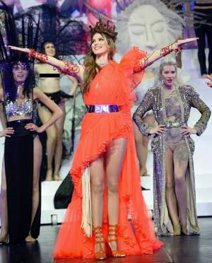 Iris Mittenaere Fashion Freak Show