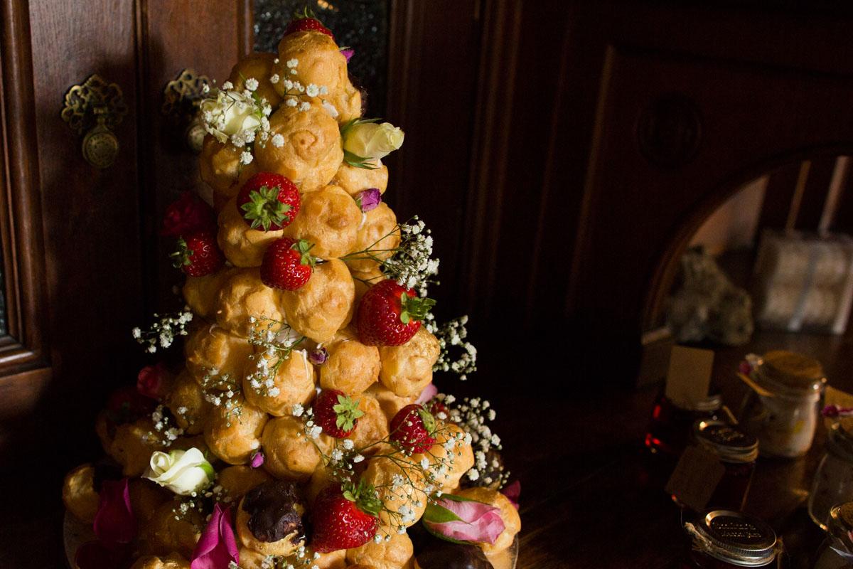 Chouxmakes Cakes Dunoon wedding cake. Profiterole wedding cake. Dunoon wedding photographer.