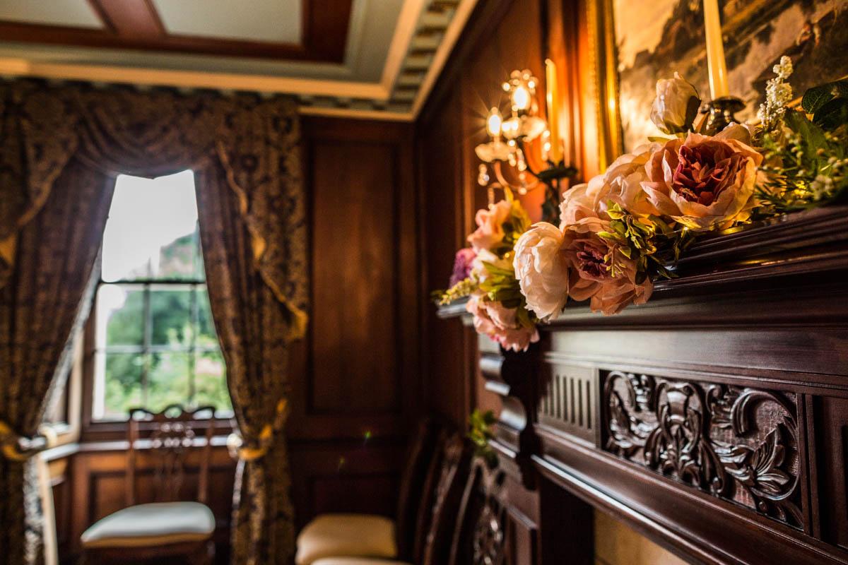 Old Kilmun House flower decorations. Dunoon wedding photographer.