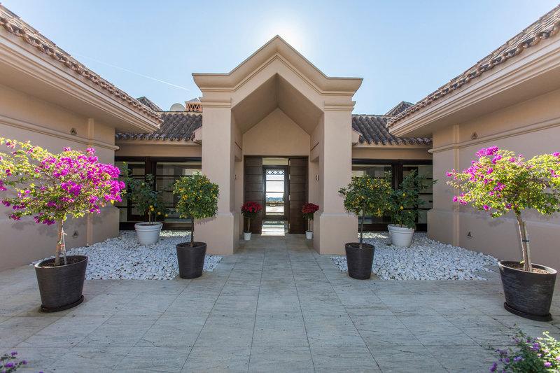 Entrance of Spectacular villa in Benahavis