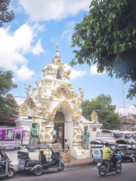 Things to Do in Chiang Mai - See All Four Must-See Temples in Chiang Mai | www.chloestravelogue.com #Thailand #ChiangMai #ThailandInsider #Temples #WatChediLuang #oldcity #Buddha
