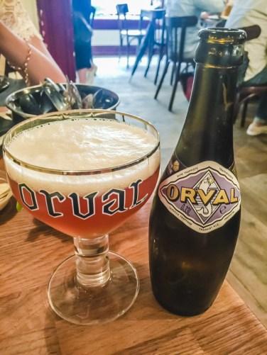 7 Things to Eat in Brussels - Best Beer Bars for Beer Tasting   #BelgianBeer #BelgianTrappistBeer #Brussels #Bruxelles #Europe #Food #Belgium #Delirium   www.chloestravelogue.com