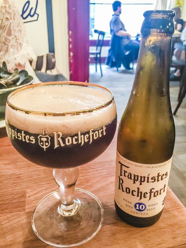 7 Things to Eat in Brussels - Best Beer Bars for Beer Tasting | #BelgianBeer #BelgianTrappistBeer #Brussels #Bruxelles #Europe #Food #Belgium #Delirium | www.chloestravelogue.com