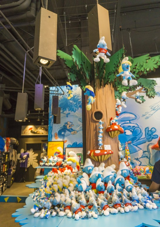 One day in Brussels for Comic Book Buff - MOOF Museum & Belgian Comic Strip Center | #Brussels #Bruxelles #Belgium #itinerary #Europe #Comic #ComicMuseum #Tintin #Smurf #Landmark | www.ChloesTravelogue.com