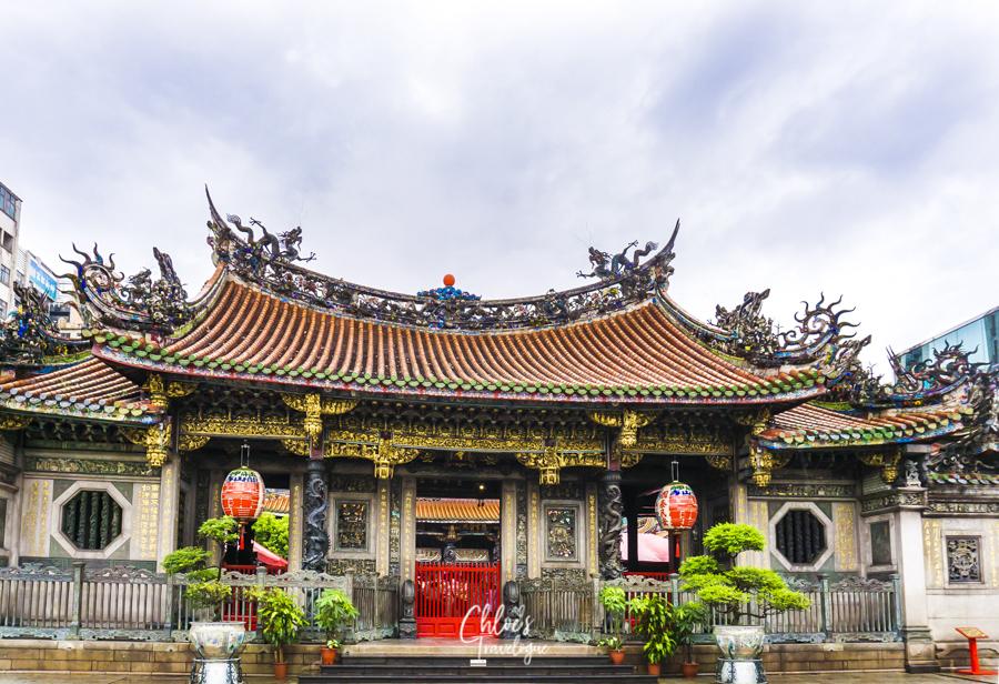 Taipei Itinerary 3 Days (Written by an Expat in Taiwan) | Longshan Temple | #Taipei #Taiwan #TaipeiItinerary #TaipeiThingstoDo #TaipeiTravel #LongshanTemple