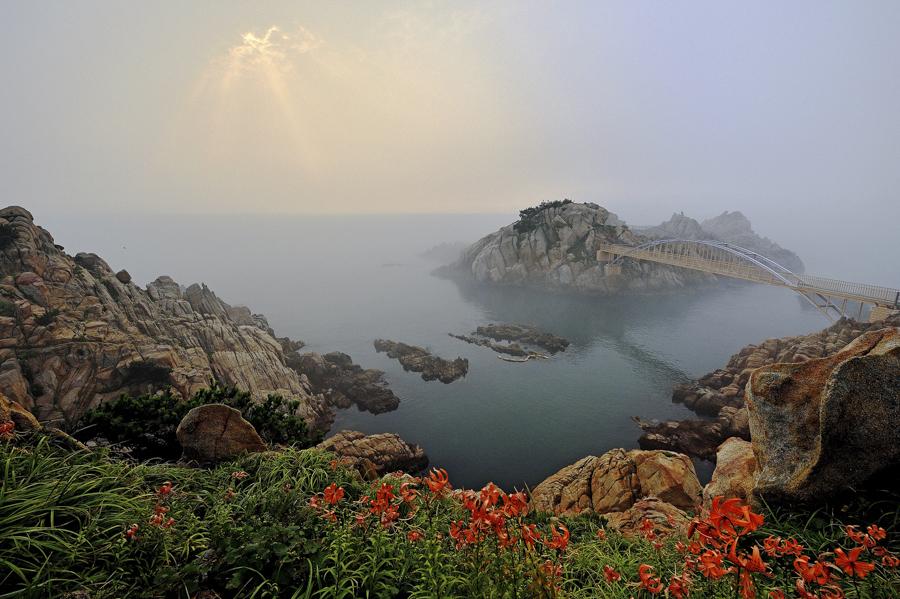 Gyeongju Donghae Region - Tomb of King Munmu