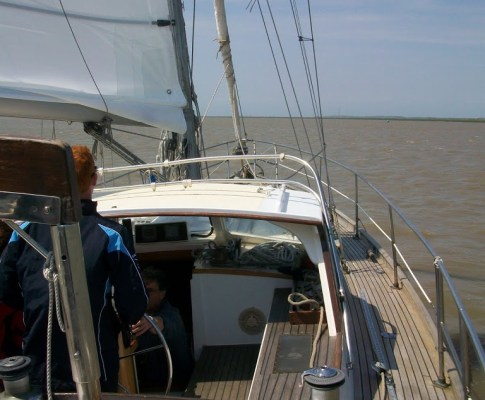 Sailing on Aramia