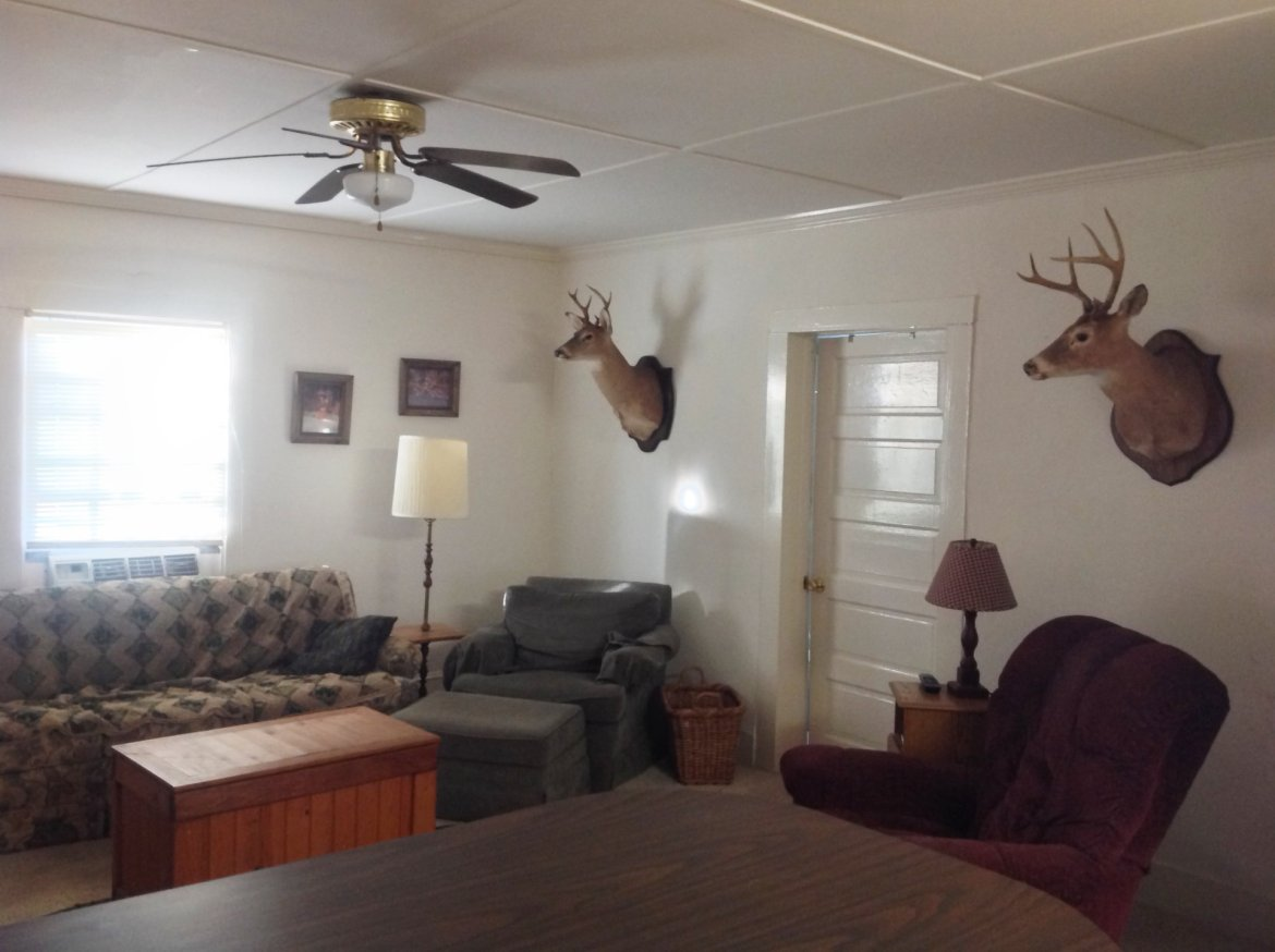 Deer hunts at Halifax hunting lodge