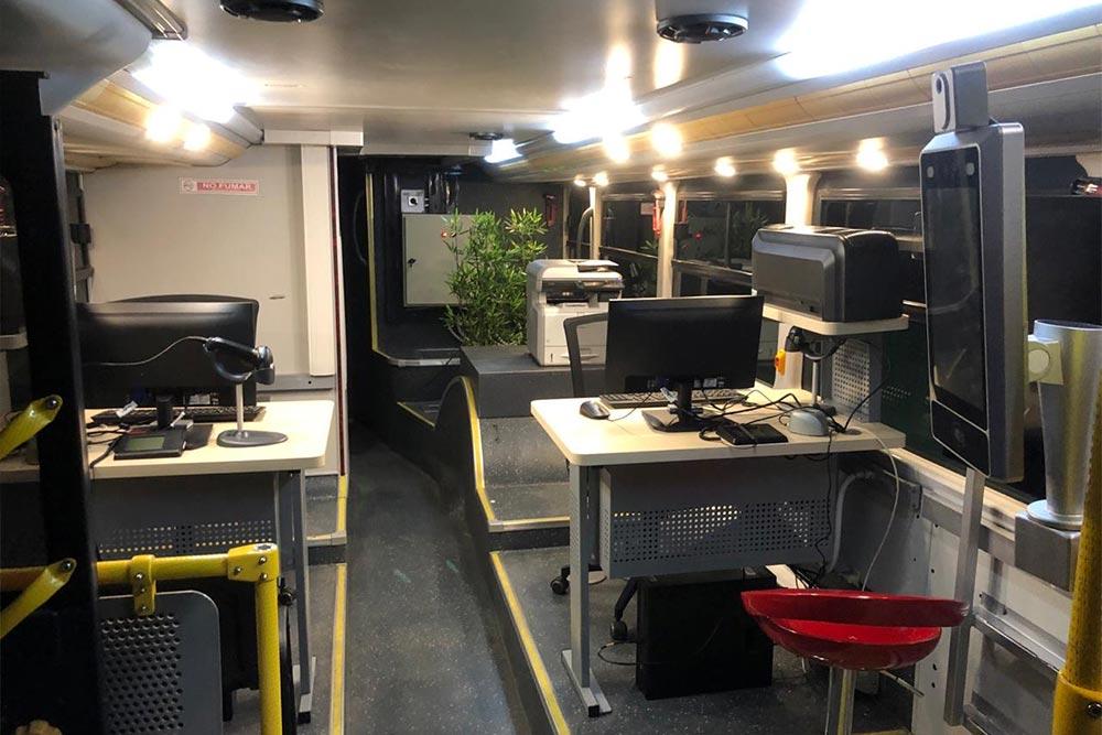 Los nuevos buses de BancoEstado por dentro
