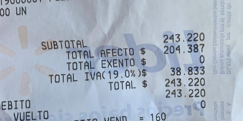 Los supermercados comenzaron a desglosar el IVA en las boletas de venta.