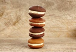 Choose your own whoopie pie flavors!