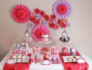 valentines day sweet table, pink red purple sweet table