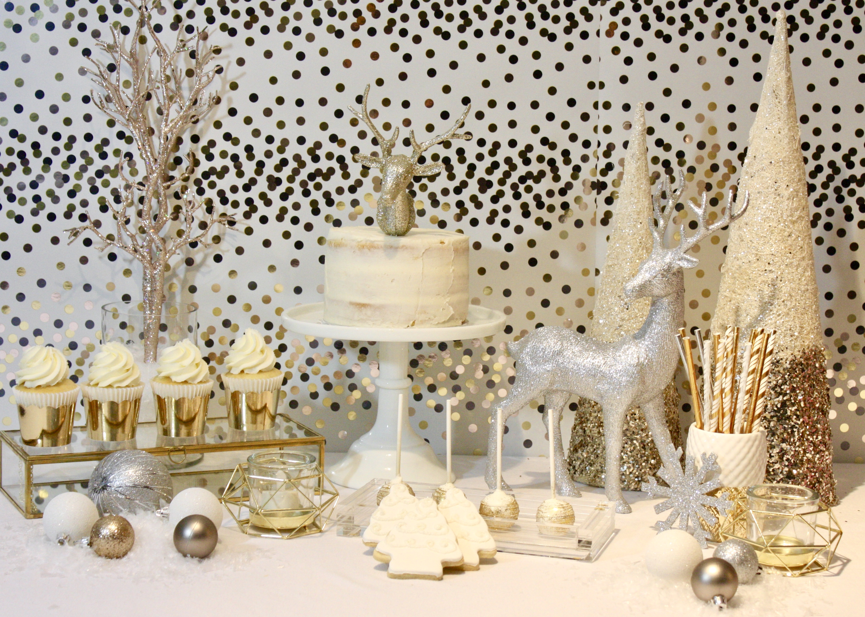 Modern Christmas Sweet Table