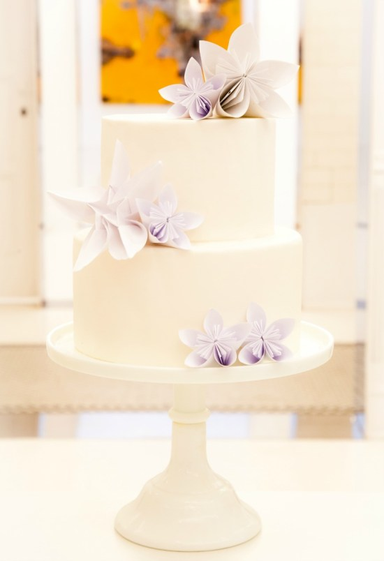 gold and white sweet table, paper flowers on cake